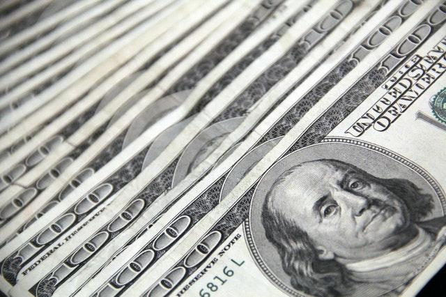 plik dolarów amerykańskich