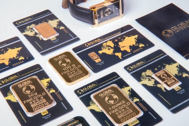 """Kurs złota podczas kryzysu względem """"najmocniejszych"""" walut"""
