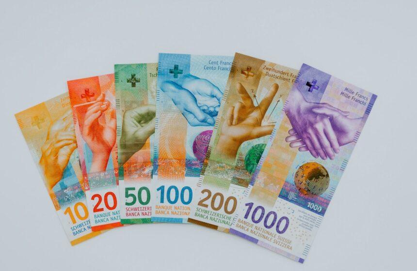"""""""Odchodzić z twarzą"""", czyli jak SNB rewolucjonizuje oblicze szwajcarskiej waluty"""